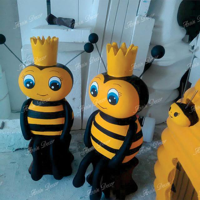 ماکت کندو و زنبور عسل