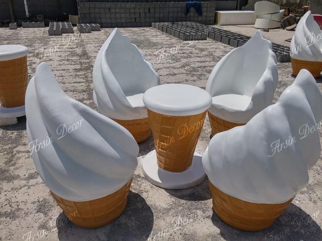 ماکت صندلی و میز بستنی قیفی
